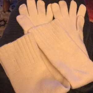 Ivory/cream winter gloves